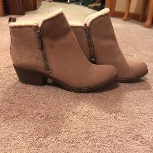 Ankle fuzzy wool boots